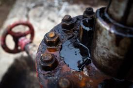 Petróleo Brent passa US$ 85 com apelo saudita por cautela no fornecimento