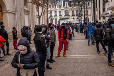 Cuarto retiro de pensiones confronta a candidatos presidenciales chilenos