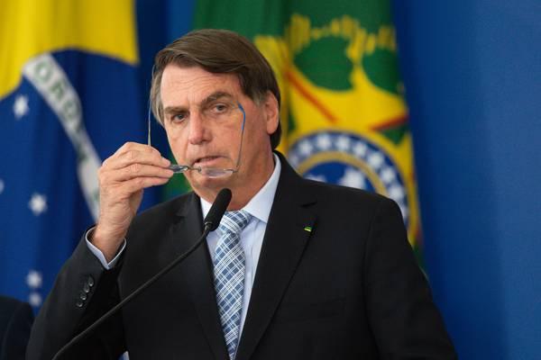 Nuevo programa social de Brasil respetará tope fiscal, dice Bolsonaro