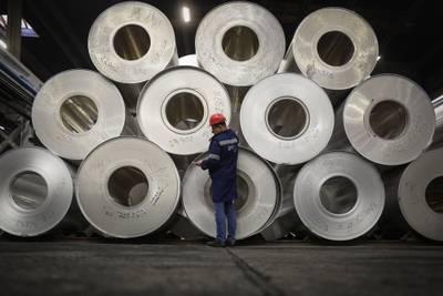 Baja el desempleo en Argentina por cuarto trimestre consecutivo