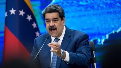 Oposición: Maduro busca dilatar proceso en su contra por delitos de lesa humanidad