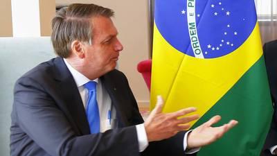 Mercados brasileños se hunden por temor a que programa social rompa regla fiscal
