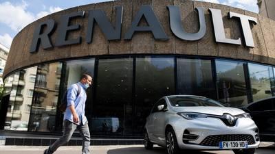 Renault reduz estimativa de produção por escassez de chips