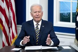 """Biden urge a líderes mundiales a """"impulsar compromisos climáticos"""""""