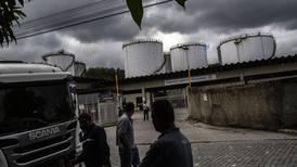 Bolsonaro promete não interferir na Petrobras e admite alta nos preços