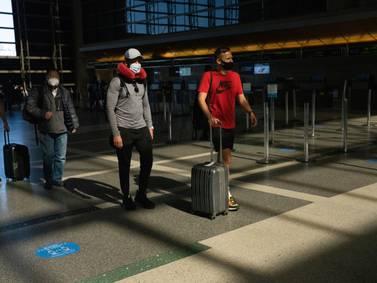 EE.UU. emite nuevas reglas sanitarias para la entrada de viajeros al país