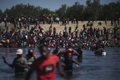 Enviado de EE.UU. a Haití presenta renuncia en protesta por trato a migrantes