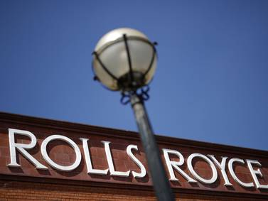 Rolls-Royce dejará de fabricar autos de combustión interna a finales de la década