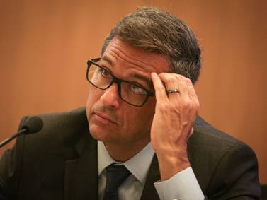 Banco Central de Brasil sube tasa a 6,25%, promete otra alza en octubre
